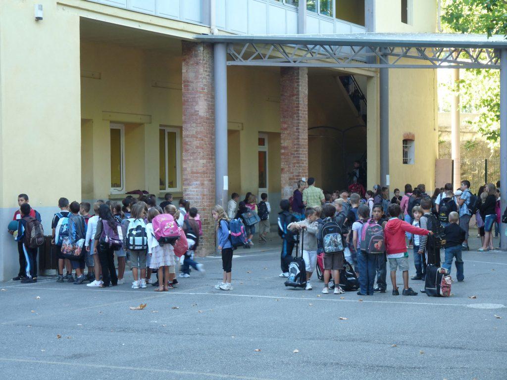 Cour de l'école élémentaire